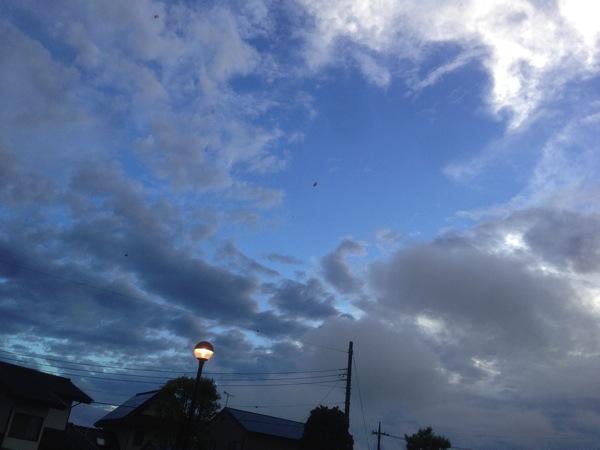 雨が上がって、空が見え始める